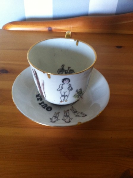Frozen Chalotte teacup